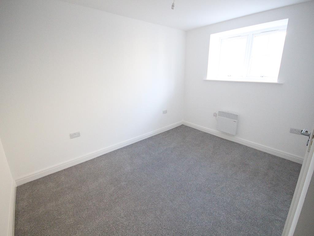 2 bedroom apartment To Let in Earby - IMG_5062.jpg